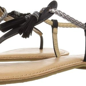 CL by Chinese Laundry Natti sandals